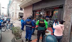 Cercado de Lima: violento asalto a comercio ubicado a unas cuadras de Palacio de Gobierno