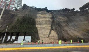 Barranco: deslizamiento de tierra y rocas provocó restricción vehicular en la Costa Verde