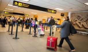 Ingresantes del extranjero deberán tener dos dosis contra el coronavirus para ingresar a Perú