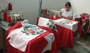 Internas del penal Mujeres Iquitos confeccionan 450 banderas para el Gobierno Regional de Loreto
