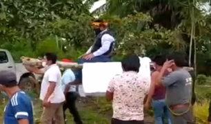 Región San Martín: Alcalde de Moyobamba llegó a inauguración de obra cargado en un anda