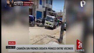 Piura: camión fuera de control retrocede por una pendiente