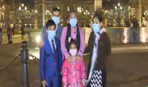 Reabren accesos a la plaza Mayor de Lima y familias disfrutan de paseos nocturnos