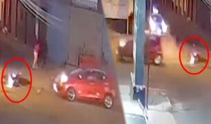 Arequipa: auto choca violentamente contra motocicleta y luego se fuga