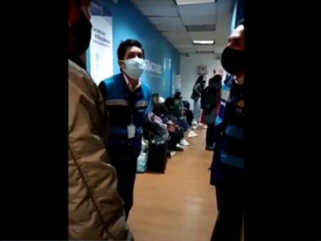 Aeropuerto Jorge Chávez: pasajeros pierden vuelos al extranjero por falta de atención de Migraciones