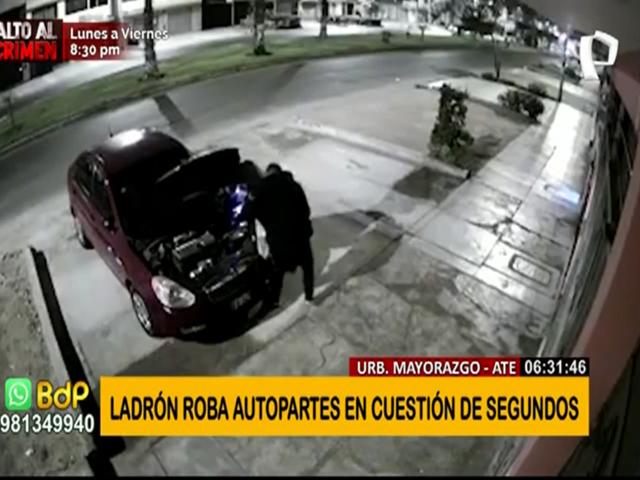 Ate: Ladrón roba autopartes en cuestión de segundos