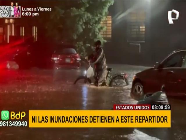 Estados Unidos: repartidor de comida no deja de trabajar a pesar de las inundaciones