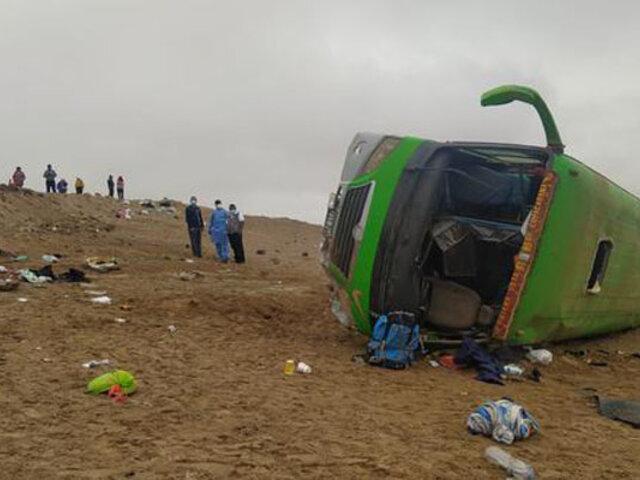Tacna: muertos y heridos deja volcadura de bus que trasladaba a migrantes ilegales haitianos