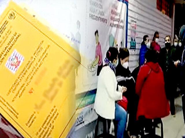 San Isidro: se amanecen por certificado internacional de vacunación