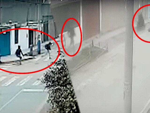 SMP: raqueteros asaltan a jovencita cuando esperaba en paradero