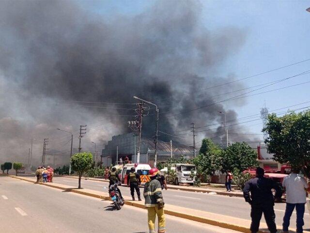 Alarma en Pucallpa: Incendio de grandes proporciones se registra en planta envasadora de gas