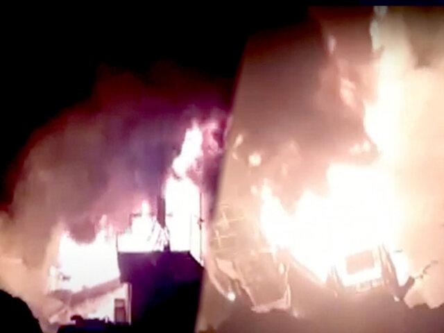 Iquitos: dos embarcaciones que abastecían combustible se incendiaron en el río Itaya