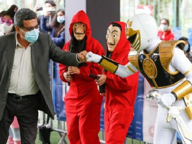 Ministerio de Salud premió a los ganadores del primer concurso de disfraces del VacunaFest