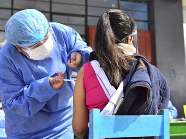 Covid-19: a partir de mañana vacunarán a jóvenes de 23 a 24 años en Lima y Callao