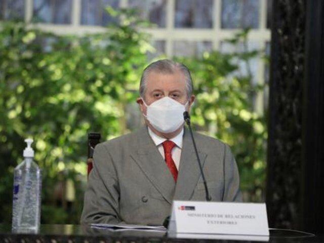 Canciller Maúrtua se presentará hoy ante la Comisión de Relaciones Exteriores por reunión entre Castillo y Maduro
