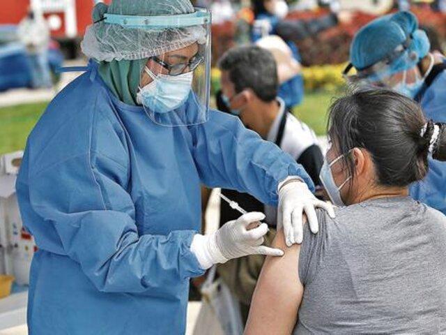 """CMP reitera dosis de refuerzo contra la Covid-19: """"Todas las vacunas tienen un tiempo de vigencia"""""""