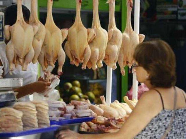 El precio del pollo continúa subiendo y sobrepasa los 10 soles