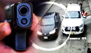 Delincuentes armados roban camioneta en el Callao