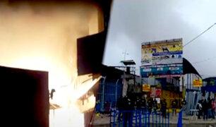 Incendio en 'Unicachi': comerciantes preocupados por aparición de humo negro en el lugar