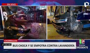 Chorrillos: bus choca y se empotra contra lavandería