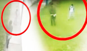 Delincuente golpea a un niño para robarle su celular en el Callao
