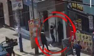 Carabayllo: marcas roban 12 mil soles a hombre en la puerta de su casa