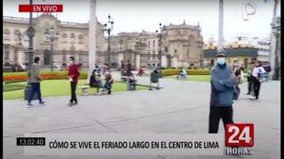Centro de Lima: limeños y turistas disfrutan del feriado en la Plaza de Armas