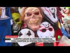 Clientes llegaron a Mesa Redonda para comprar sus disfraces para Halloween
