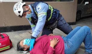 Surco: mujer cae de segundo piso mientras lavaba las ventanas de un departamento