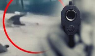 Disparan a joven para robarle celular en Ate