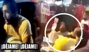 Chiclayo: mujer agarra a golpes a su esposo al encontrarlo con su amante en su auto