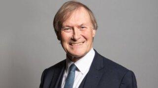Asesinato a puñaladas de diputado conservador conmociona a Reino Unido