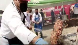 """Cientos de turistas llegan a Huaral para disfrutar del """"Festival del chancho al palo"""""""