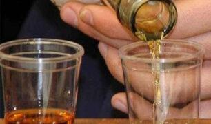 Puno: mujer muere y dos quedan graves tras intoxicarse por consumir licor adulterado