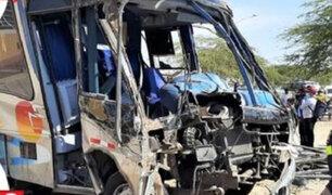 Piura: aparatoso accidente de tránsito dejó 4 muertos y 15 heridos
