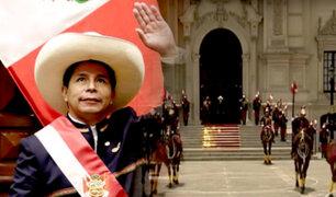 Pedro Castillo participa en cambio de guardia a caballo en Palacio de Gobierno