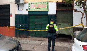 Capturan a sujetos que hicieron forado para robar una casa de cambio en Lince