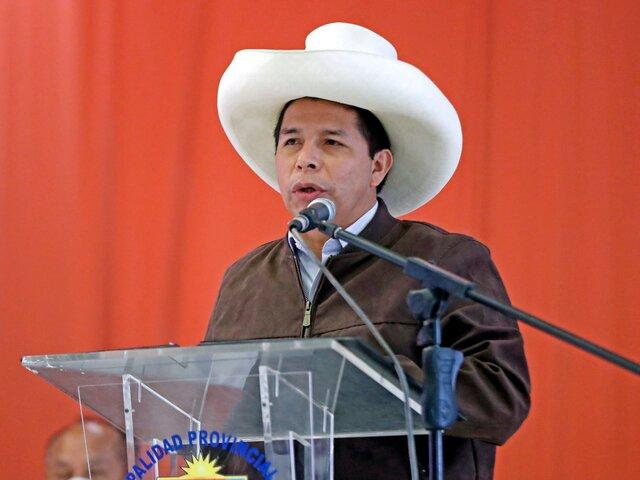 Pedro Castillo saludó a la prensa y reiteró intención renegociar contratos