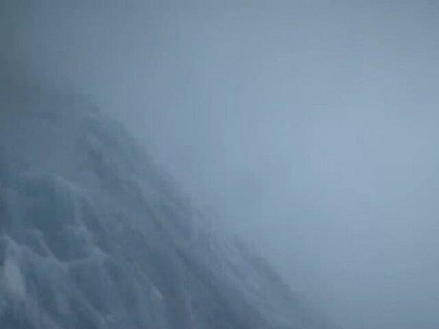 ¡Espectacular! Drone graba huracán desde su interior en medio del océano