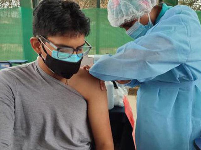 Minsa: adolescentes de 12 a 17 años serían vacunados contra la covid-19 en noviembre