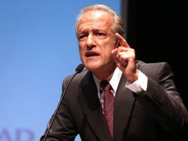 Durante discurso en velorio: Hernando Guerra García señala que medios difaman a congresistas
