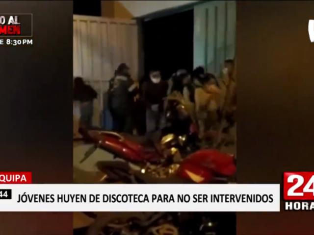 Arequipa: decenas de jóvenes huyen en intervención a 'discoteca COVID'