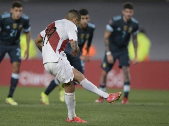 Argentina vs. Perú: Yotún falló penal ante el 'Dibu' que pudo ser el 1-1 del partido