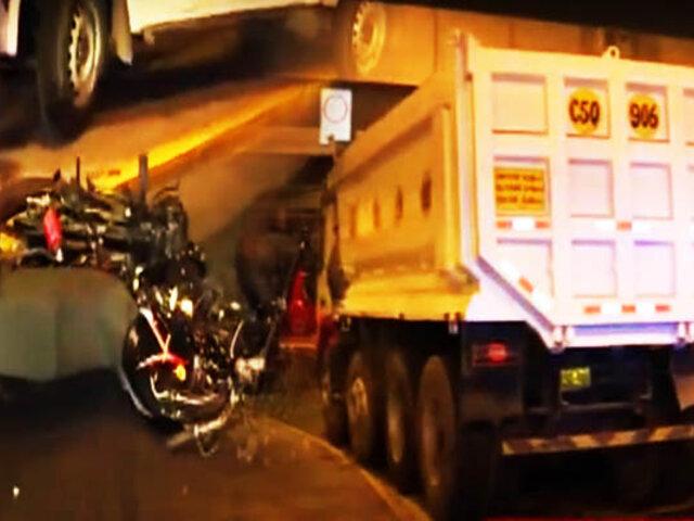 Dos muertos dejó un accidente de moto en La Victoria