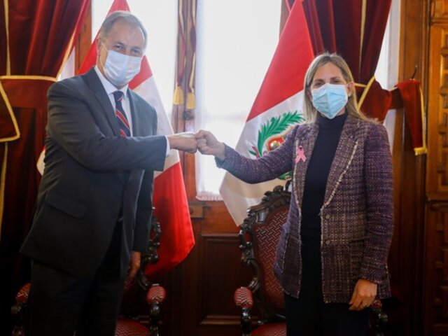 Alcalde de Lima y presidenta del Congreso se reunieron para coordinar reapertura de la Plaza Simón Bolivar