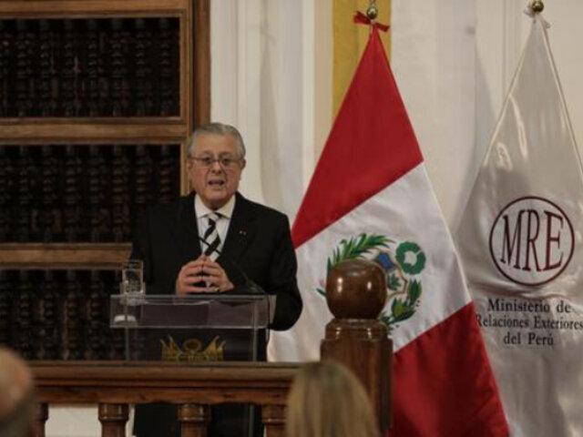 Comisión de Relaciones Exteriores cita al canciller por designación de Richard Rojas como embajador