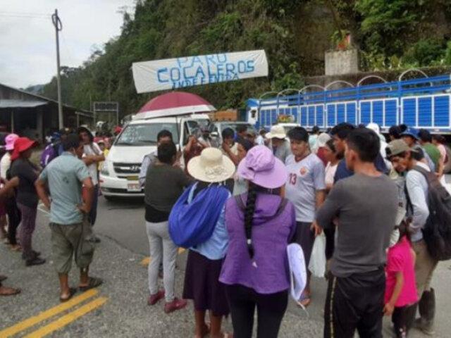 Puerto Maldonado: cocaleros atacan vehículos choferes en la vía Interoceánica