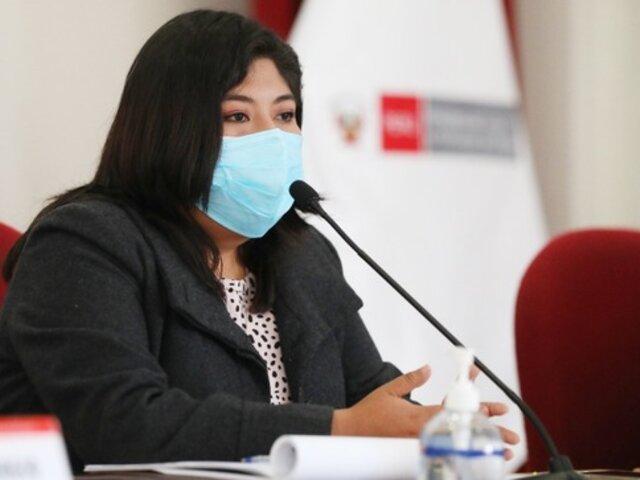 """Betssy Chávez: """"Algunos nos darán el voto de confianza tomándose un par de clonazepam"""""""