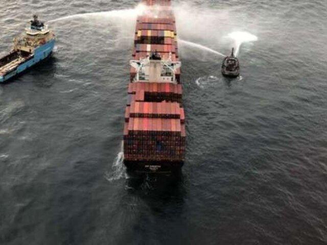 Canadá: se incendia barco que transportaba químicos