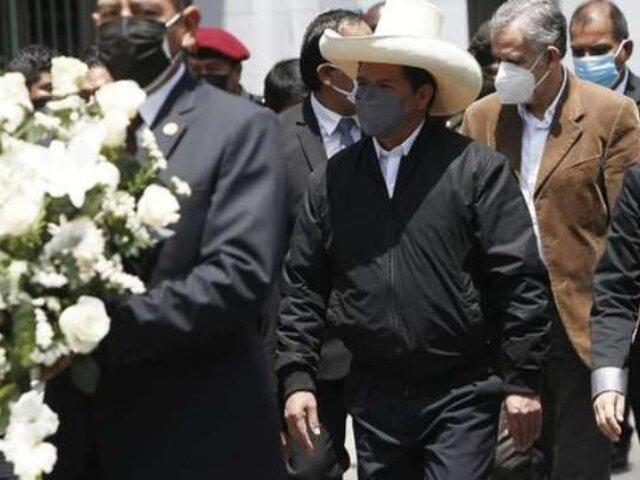 Presidente Castillo pidió unidad al Congreso en homenaje póstumo de Fernando Herrera